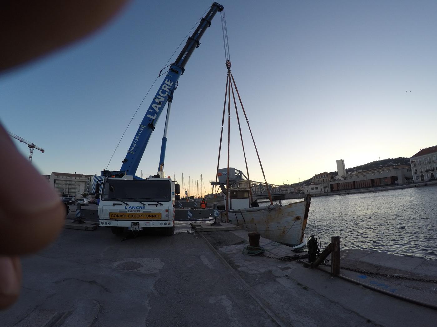 matériel-levage-travaux-maritime-sete