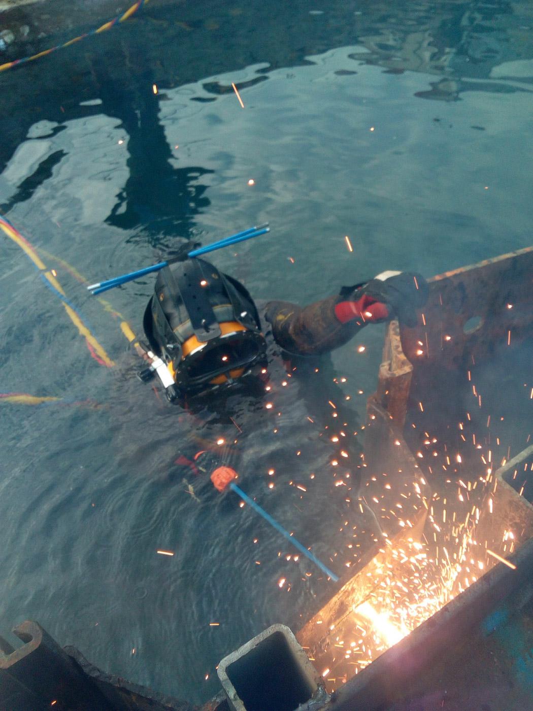 decoupage metaux travaux sous marins